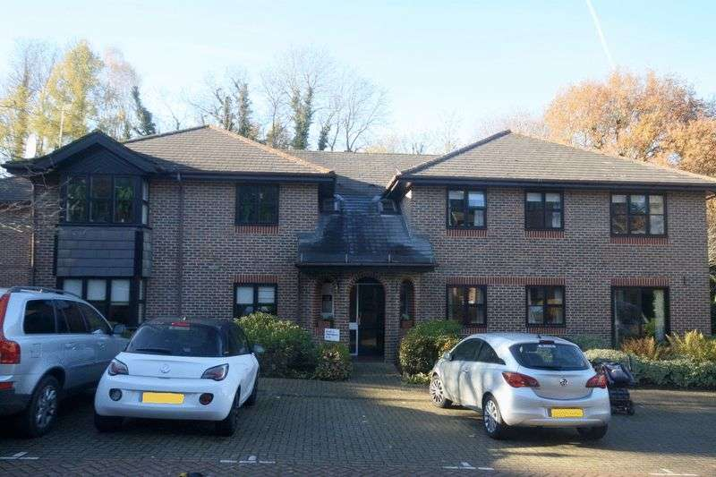2 Bedrooms Property for sale in The Acorns, Sevenoaks, TN13 3YD