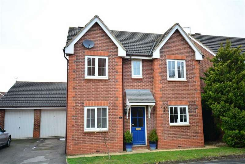 4 Bedrooms Property for sale in Roxburghe Dale, Normanton, WF6