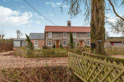 3 Bedrooms Semi Detached House for sale in Cowlinge, Newmarket, Suffolk