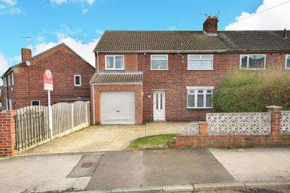 4 Bedrooms End Of Terrace House for sale in Blackthorn Avenue, Bramley, Rotherham, South Yorkshire