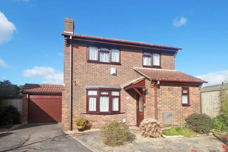 3 Bedrooms Property for sale in Newcroft Gardens, Christchurch