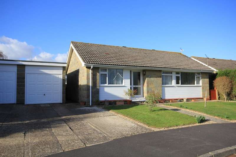 3 Bedrooms Detached Bungalow for sale in Churchill Close, Cowes