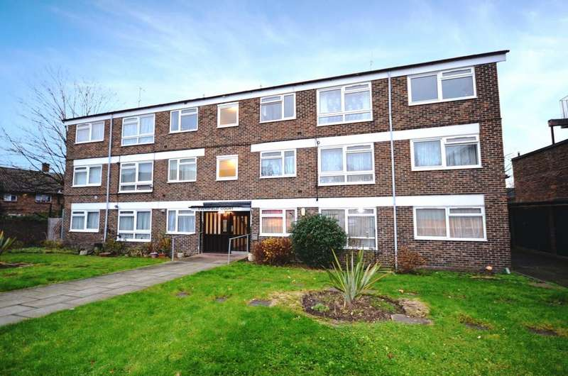 2 Bedrooms Flat for sale in Baring Road Lee SE12