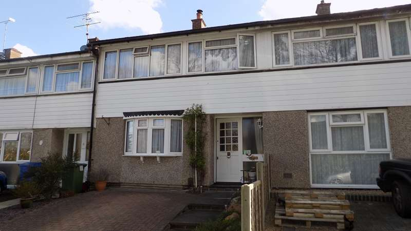 3 Bedrooms Terraced House for sale in Segsbury Grove, Harmanswater, Bracknell, RG12