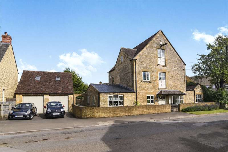 4 Bedrooms Detached House for sale in Castle Gardens, Chipping Campden, GL55