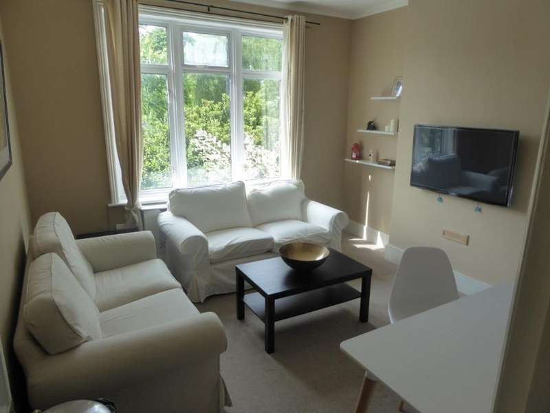 4 Bedrooms Flat for rent in George Lane SE13