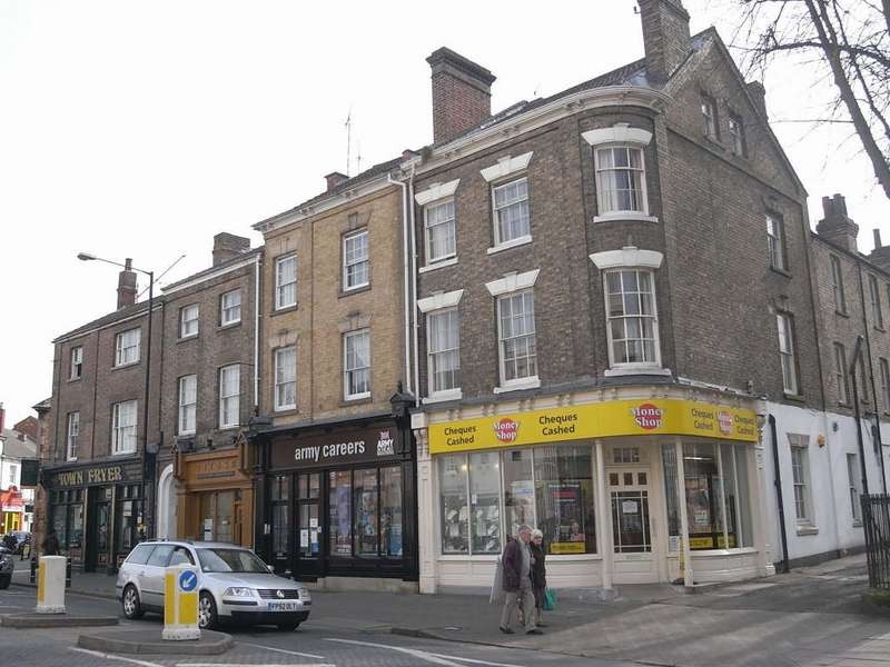 3 Bedrooms Flat for rent in Church Street, Town Centre CV21