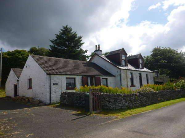 4 Bedrooms Detached House for sale in Portavadie Farm House, Millhouse, Tighnabruaich, PA21 2DA