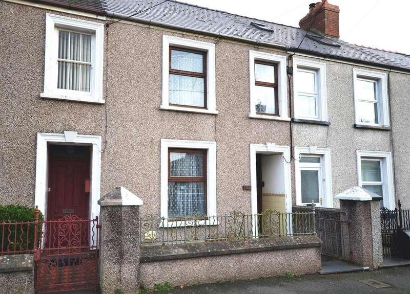 2 Bedrooms Terraced House for sale in Waterloo Road, Hakin, Milford Haven