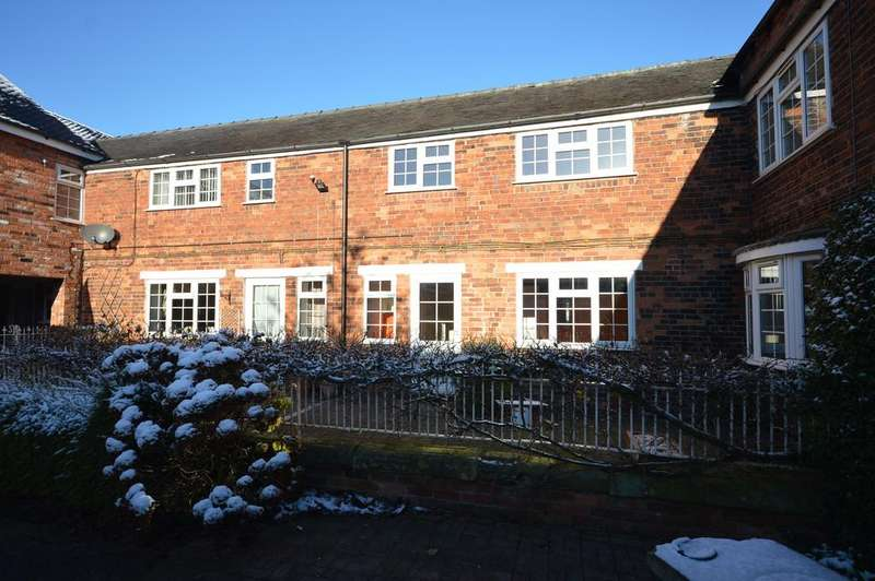 2 Bedrooms Town House for rent in Park House Mews, Congleton Road
