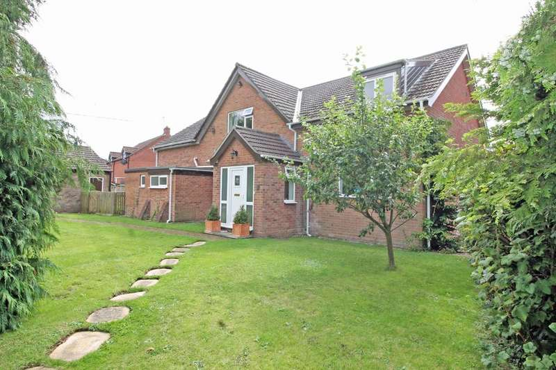 5 Bedrooms Detached House for sale in Stone Road, Briston NR24