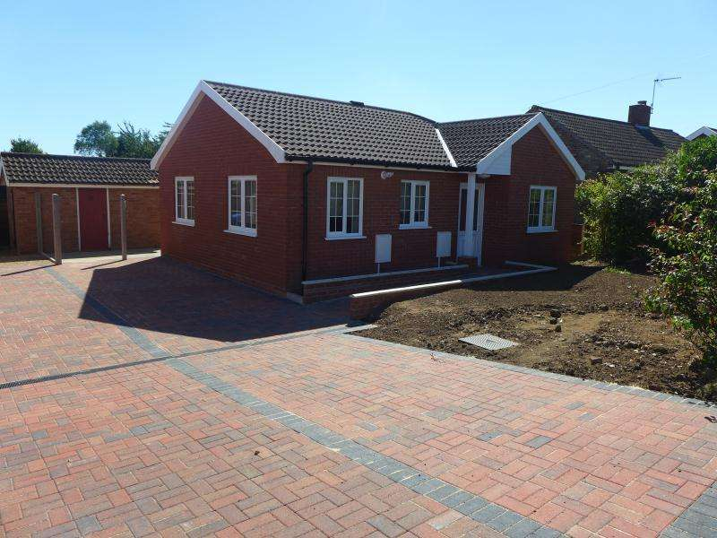 2 Bedrooms Detached Bungalow for rent in Annandale Drive, Beccles