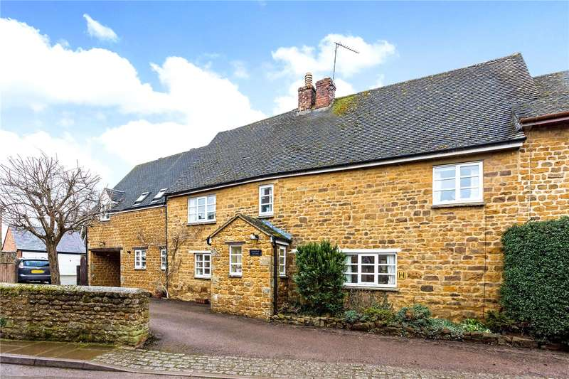 4 Bedrooms Semi Detached House for sale in Kings Road, Bloxham, Banbury, Oxfordshire, OX15