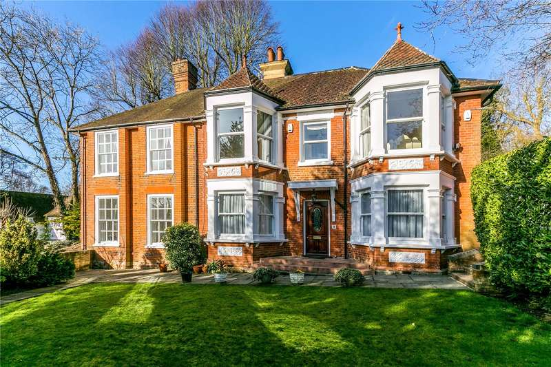 3 Bedrooms Flat for sale in Hills Lane House, Rickmansworth Road, Northwood, Middlesex, HA6