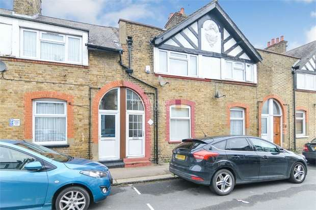 2 Bedrooms Terraced House for sale in Swanfield Road, WALTHAM CROSS, Hertfordshire
