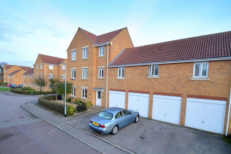 2 Bedrooms Flat for sale in Akela Close, Kettering, NN15