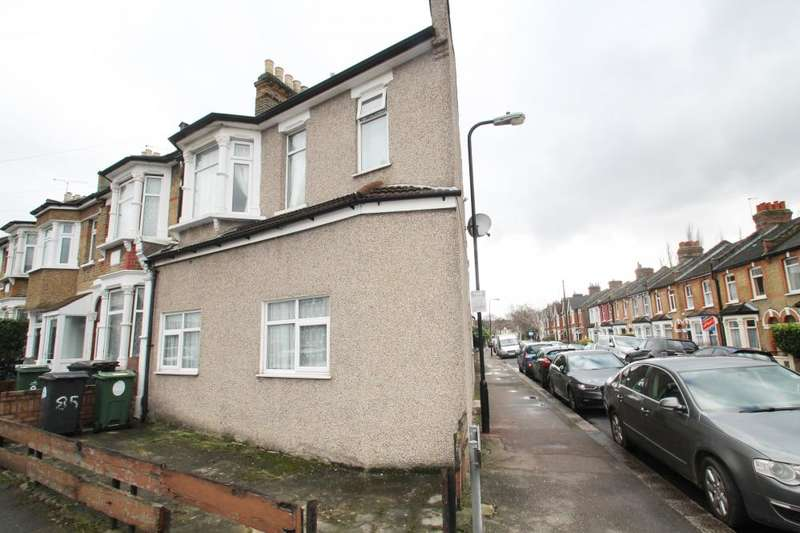 3 Bedrooms End Of Terrace House for sale in CAVENDISH ROAD, CHINGFORD
