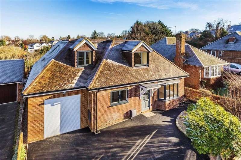 4 Bedrooms Detached House for sale in Grove End Road, Farnham