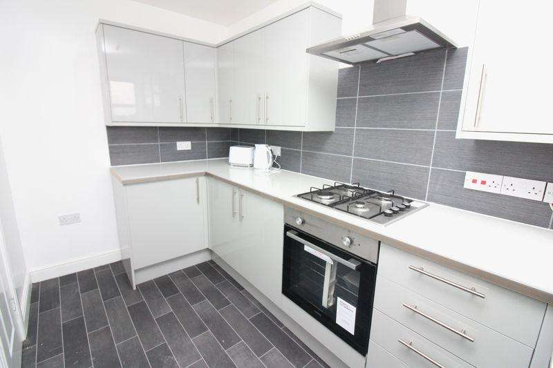3 Bedrooms Terraced House for sale in Woodfield Avenue, Flint