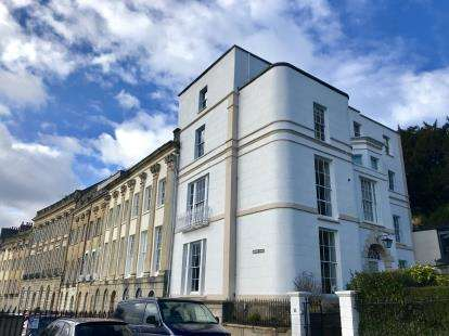 2 Bedrooms Flat for sale in Windsor Terrace, Clifton, Bristol