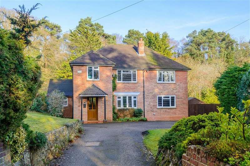 4 Bedrooms Detached House for sale in Sandrock Hill Road, Farnham