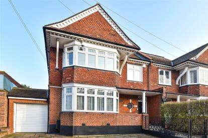 6 Bedrooms Semi Detached House for sale in Blenheim Road, Bromley