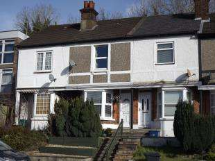 2 Bedrooms Terraced House for sale in Godstone Road, Kenley, Surrey