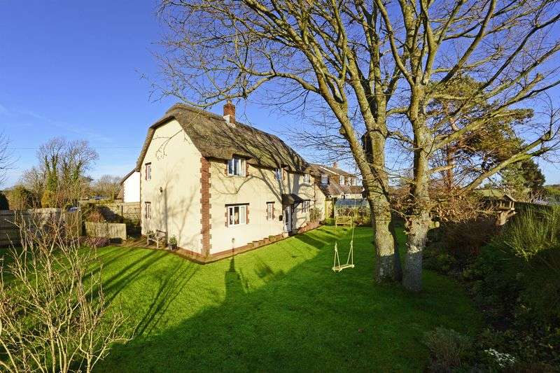 4 Bedrooms Property for sale in Gatemore Road Winfrith Newburgh, Dorchester
