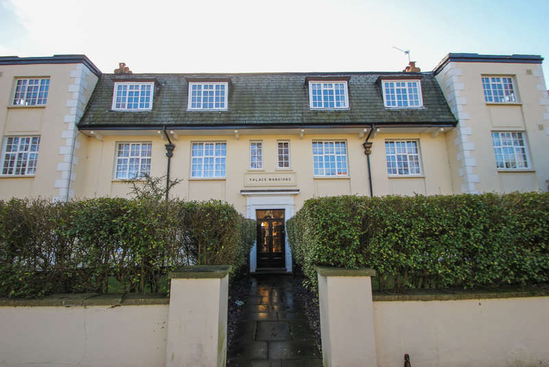 3 Bedrooms Ground Flat for sale in Palace Road, Kingston Upon Thames