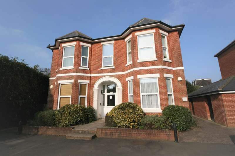 2 Bedrooms Apartment Flat for sale in St. Marys Road, Netley Abbey, Southampton, SO31 5HR