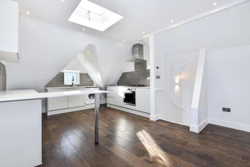 2 Bedrooms Flat for sale in Anerley Hill, Crystal Palace