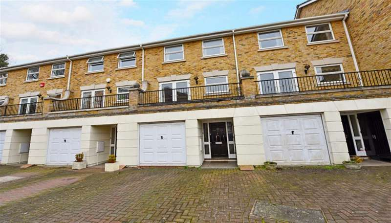 4 Bedrooms Property for sale in Penners Gardens, Surbiton