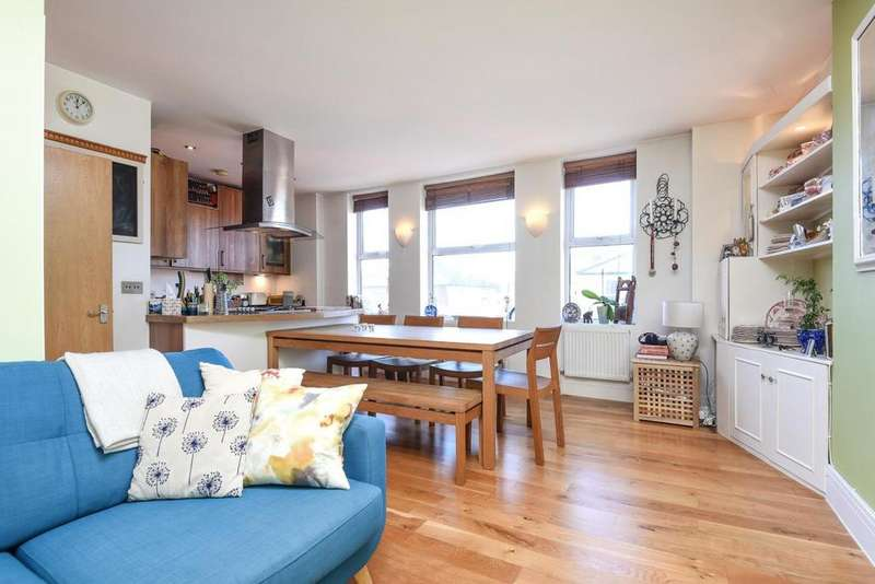 2 Bedrooms Flat for sale in Garratt Lane, Earlsfield