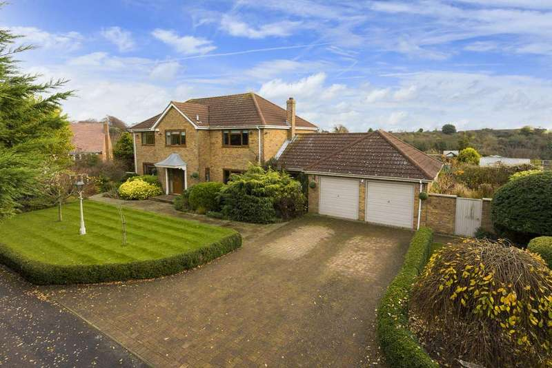 5 Bedrooms Detached House for sale in Hawksdown, Walmer