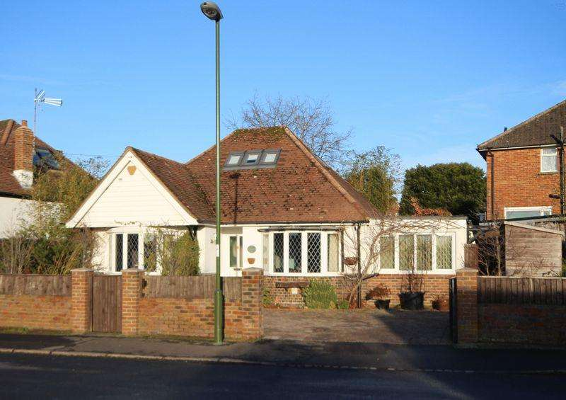 3 Bedrooms Detached House for sale in Vale Road, Haywards Heath