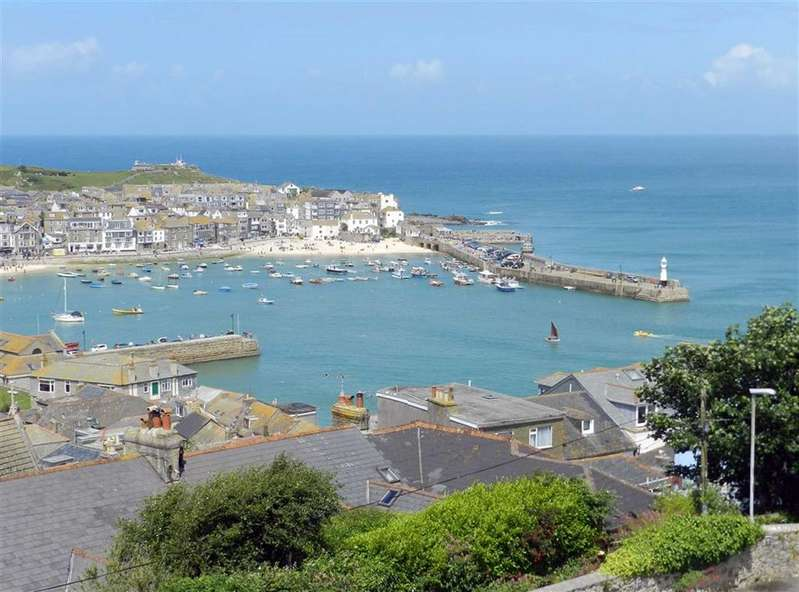 5 Bedrooms Terraced House for sale in Sea View Terrace, St Ives