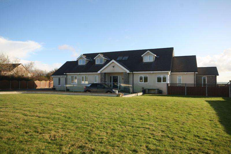 5 Bedrooms Detached Bungalow for sale in Llanrhyddlad, Anglesey