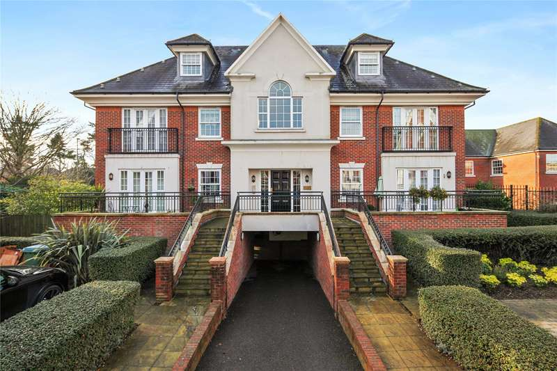 2 Bedrooms Flat for sale in White Lion Gate, Cobham, Surrey, KT11