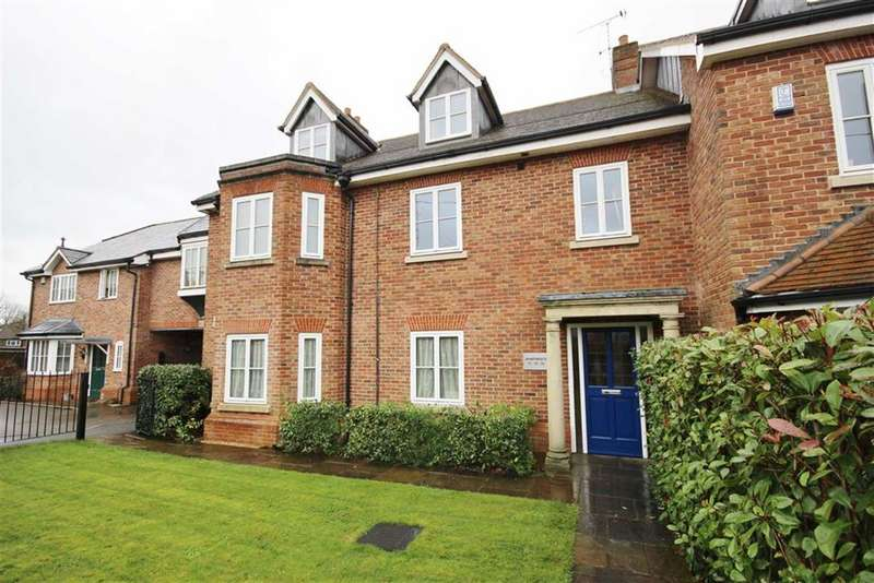 2 Bedrooms Apartment Flat for sale in Blenheim Mews, Beavers Road, Farnham