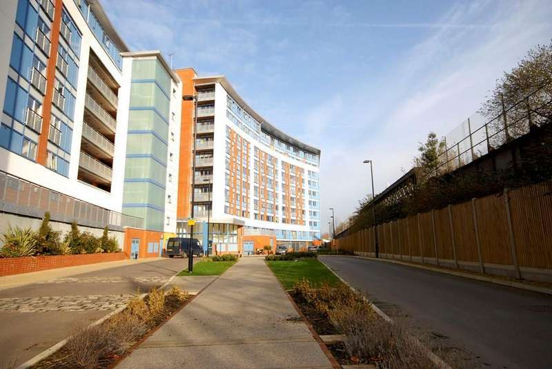 1 Bedroom Apartment Flat for sale in Meath Crescent, Bethnal Green, E2