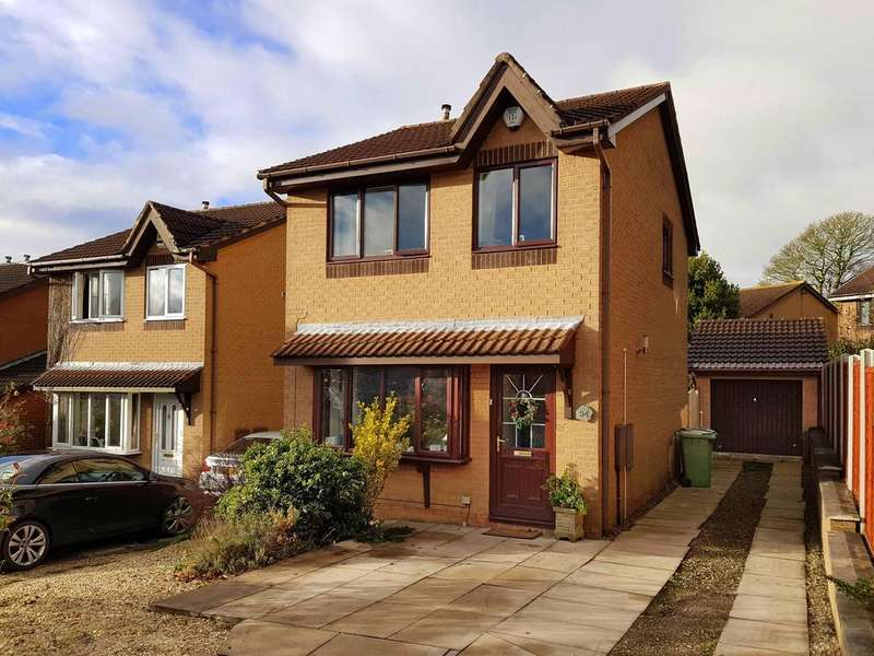 3 Bedrooms Detached House for sale in Haven Chase, Cookridge, Leeds 16