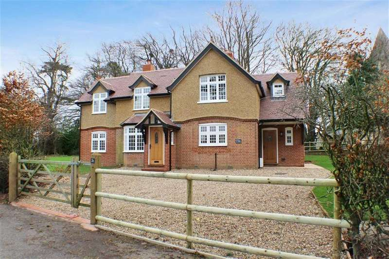 4 Bedrooms Detached House for rent in High Street, St Albans, Hertfordshire