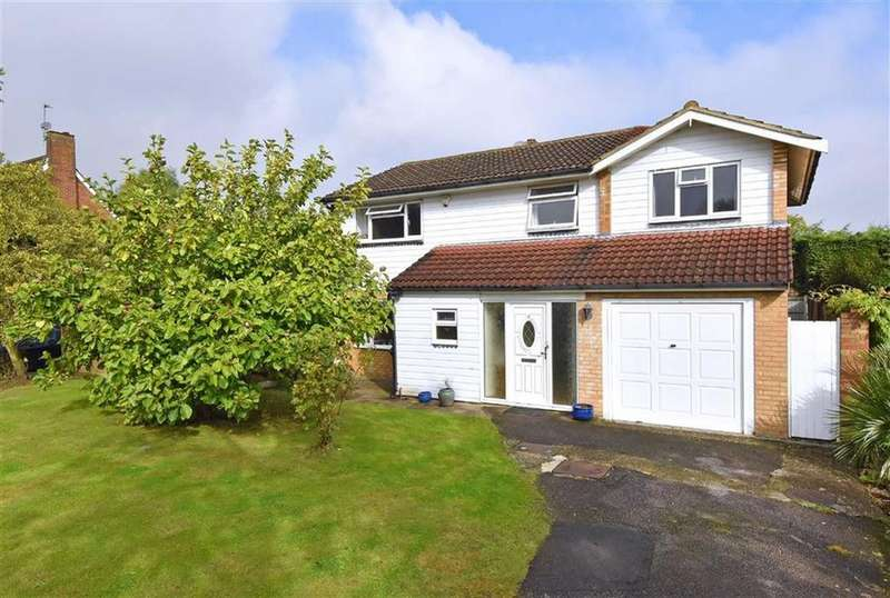 4 Bedrooms Detached House for sale in Cheriton Avenue, Bromley, Kent