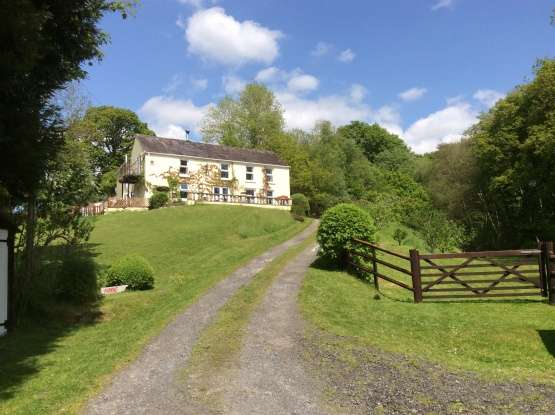 6 Bedrooms Detached House for sale in Pentre Ty Gwyn, Llandovery, Dyfed, SA20 0RN