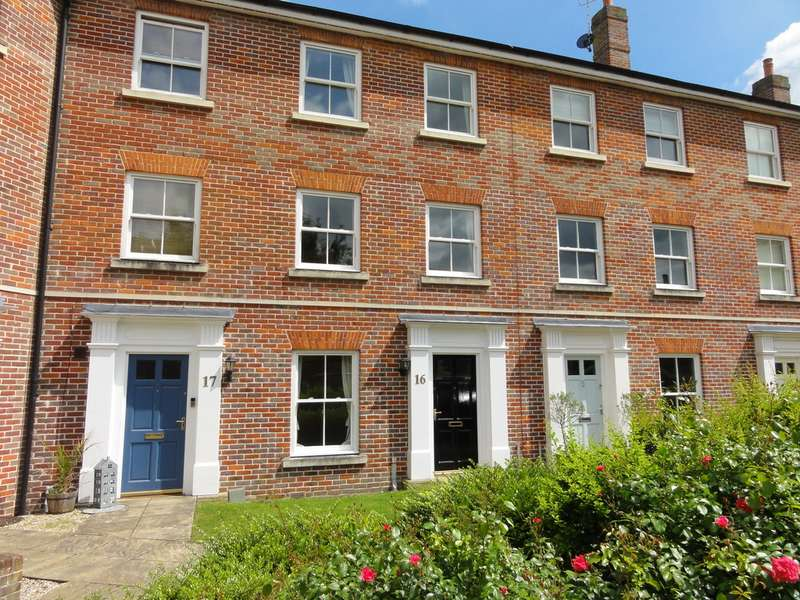 4 Bedrooms Property for rent in Chancellery Mews, Bury St Edmunds IP33
