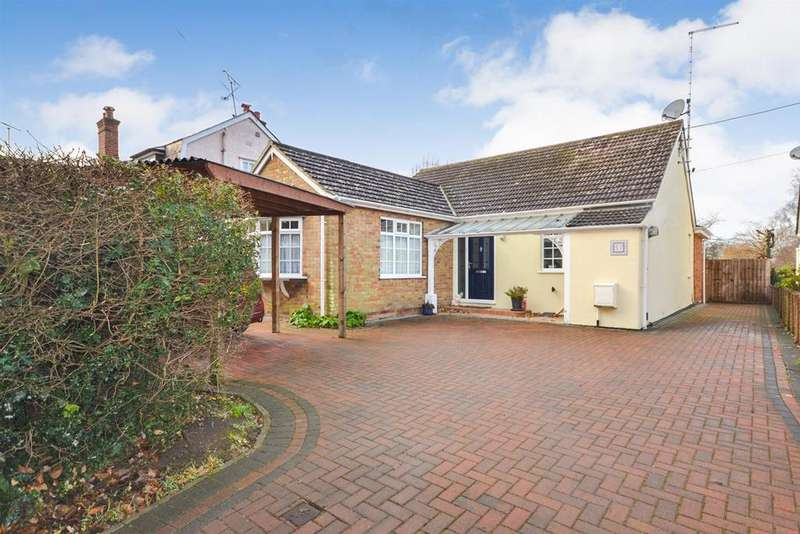 3 Bedrooms Bungalow for sale in Danbury
