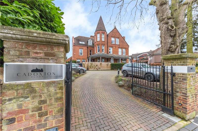 2 Bedrooms Detached House for sale in Cadoxton Place, St. Albans, Hertfordshire