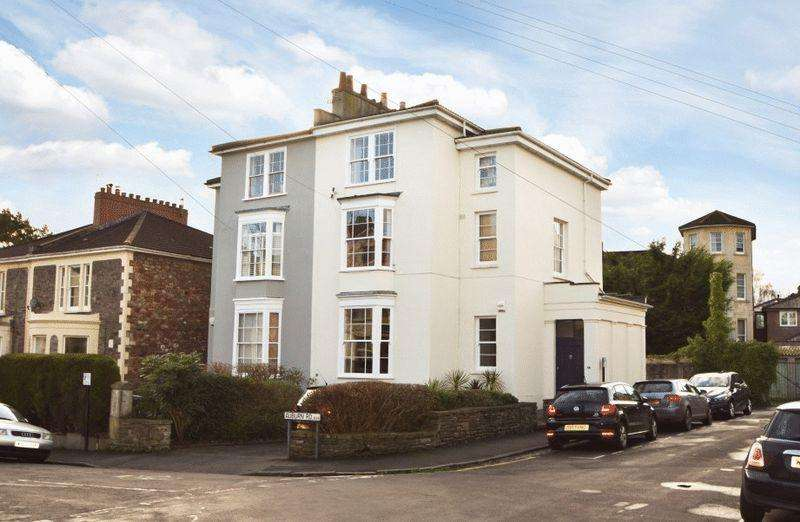 4 Bedrooms Semi Detached House for sale in Auburn Road, Redland
