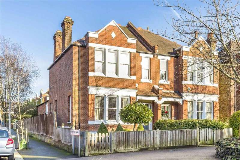 4 Bedrooms Semi Detached House for sale in Court Lane, London, SE21