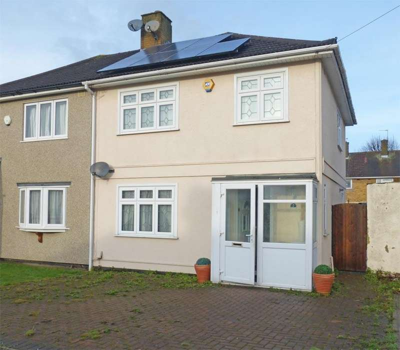 3 Bedrooms Semi Detached House for sale in Newbury Walk, Harold Hill, Essex RM3